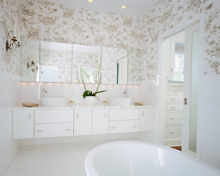 Modern Bathroom with Decorative Wall