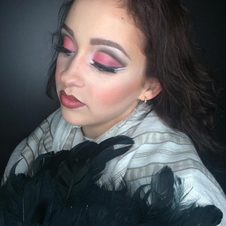 Dance Eye Shadow Makeup