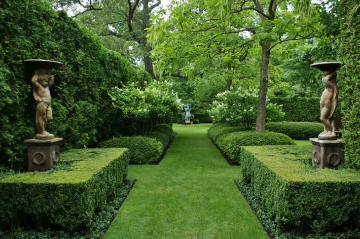 formal traditional garden design picture