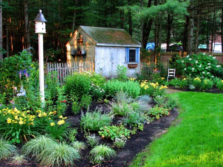 Birdhouse Landscap Garden