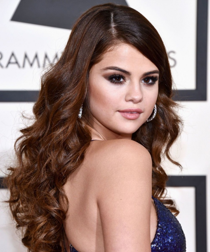 Selena Gomez Wavy Hair
