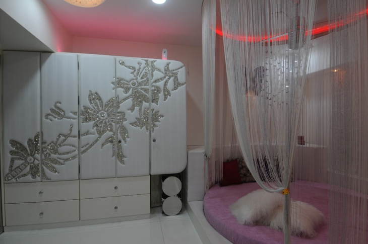 Pink and White Kids Bedroom
