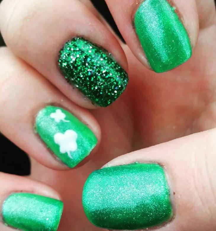simple glitter nail art