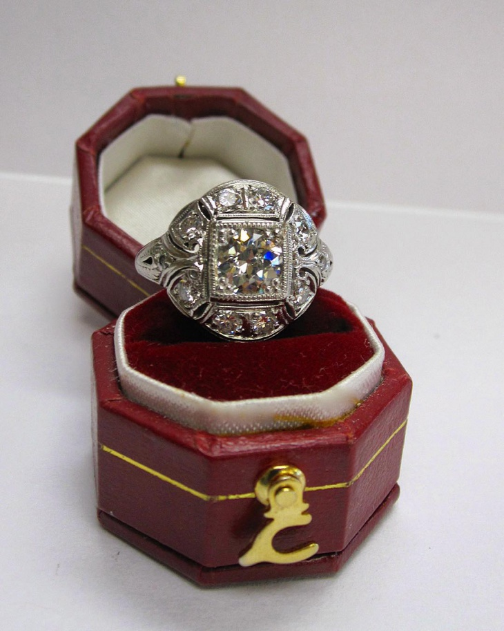 beautiful antique platinum ring