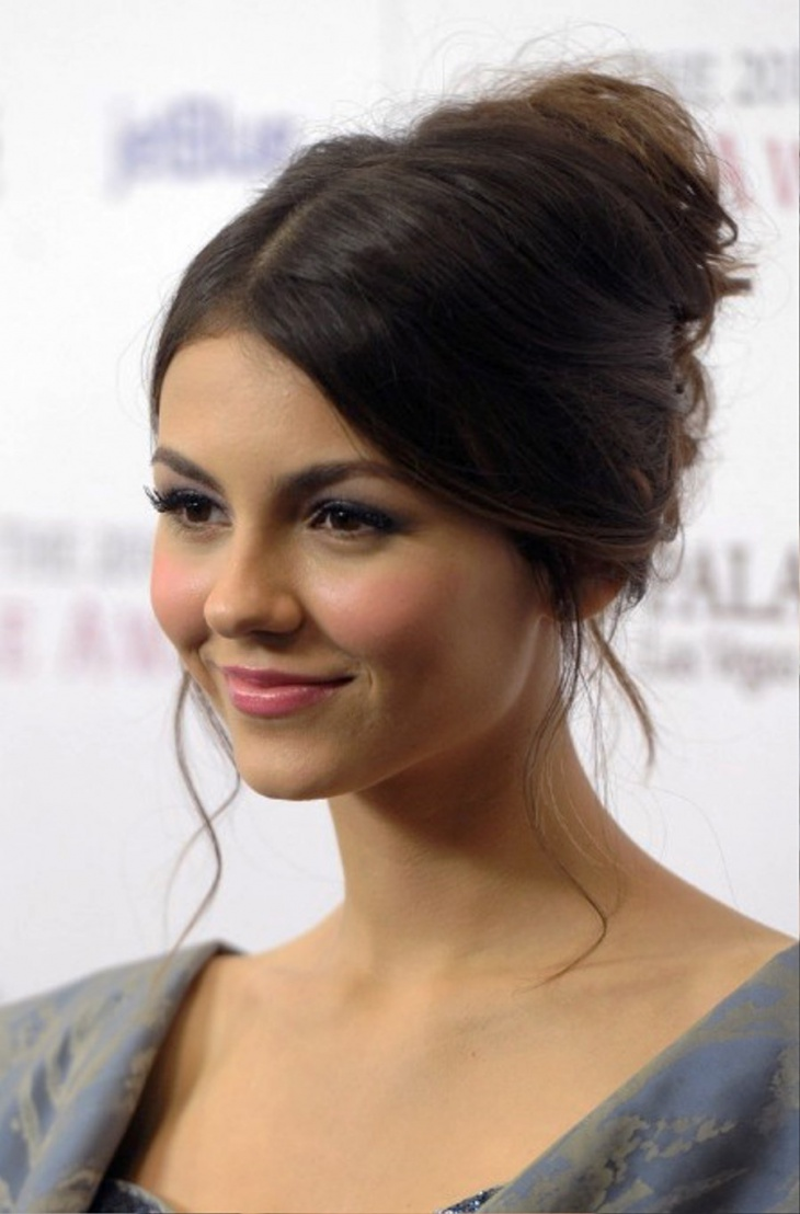 Victoria Justice Simple French Twist Updo