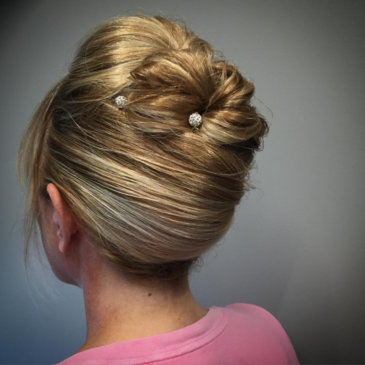 Twist Blond Short Hair Updo
