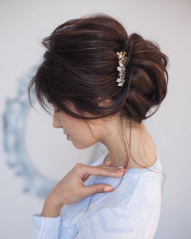 Updo Hairstyles For Wedding Guests: 20+ French Twist Haircut Ideas, Designs