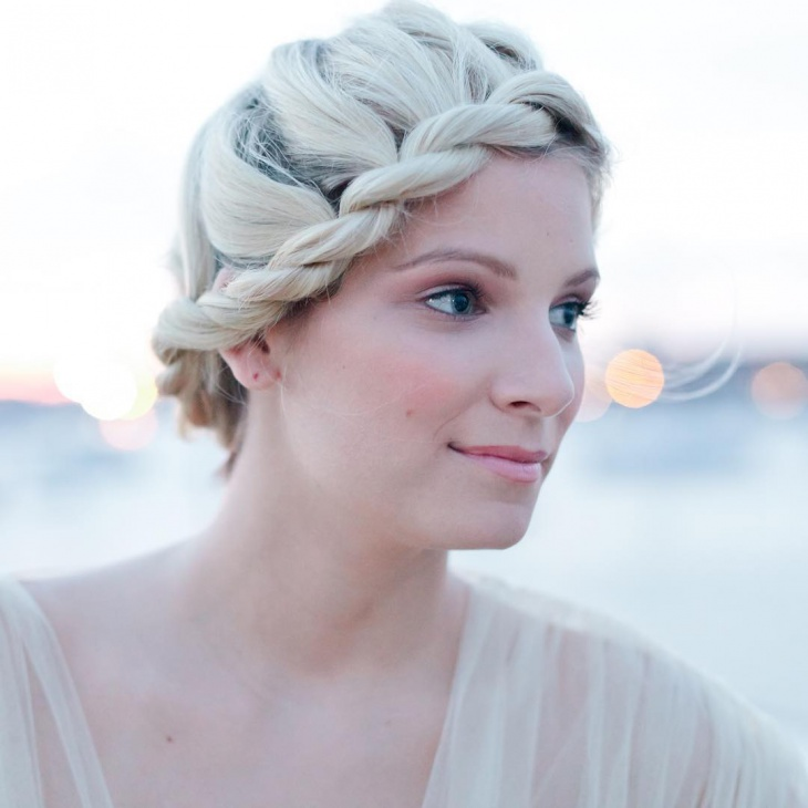 rope braid bun hairstyle1