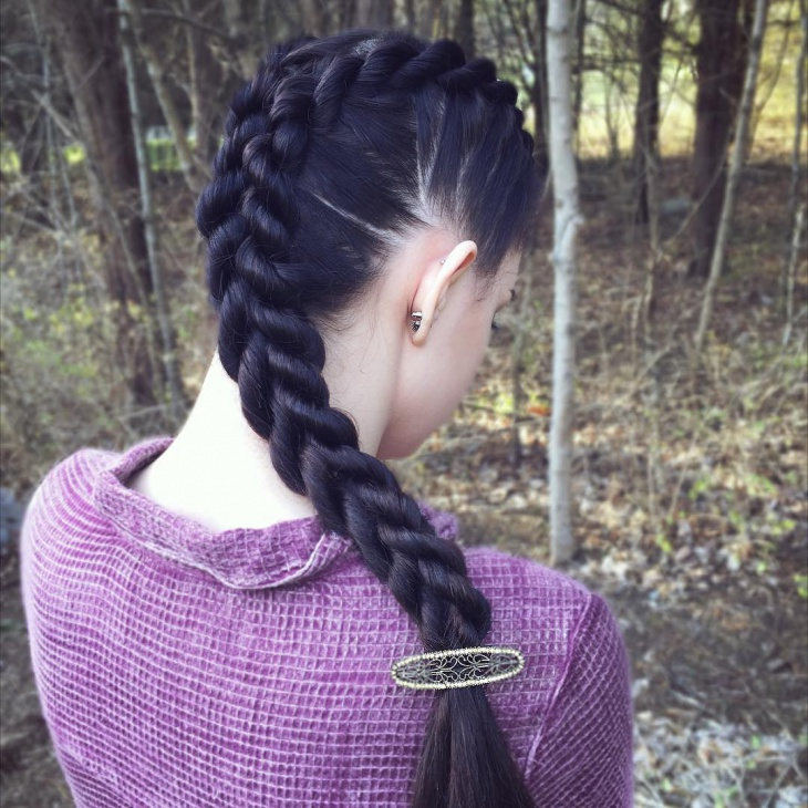 side rope braid hairstyle