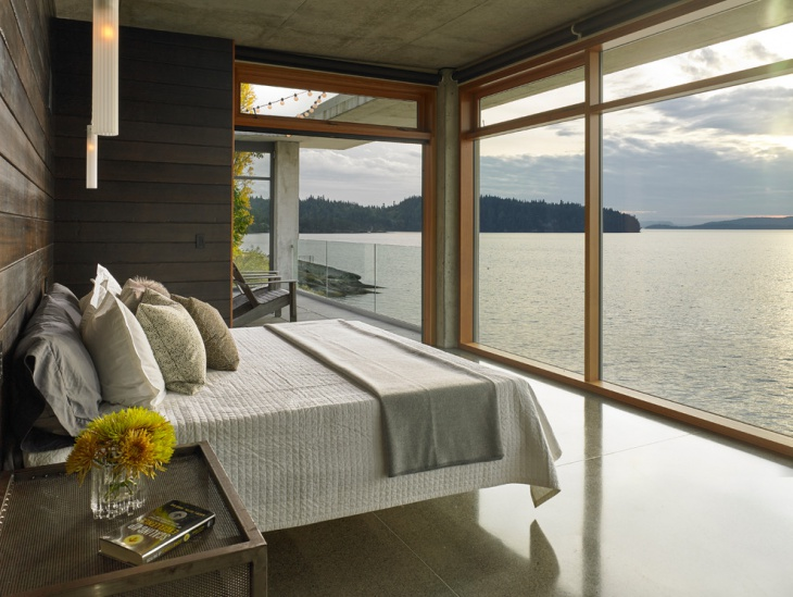 Lavish Bedroom with River View