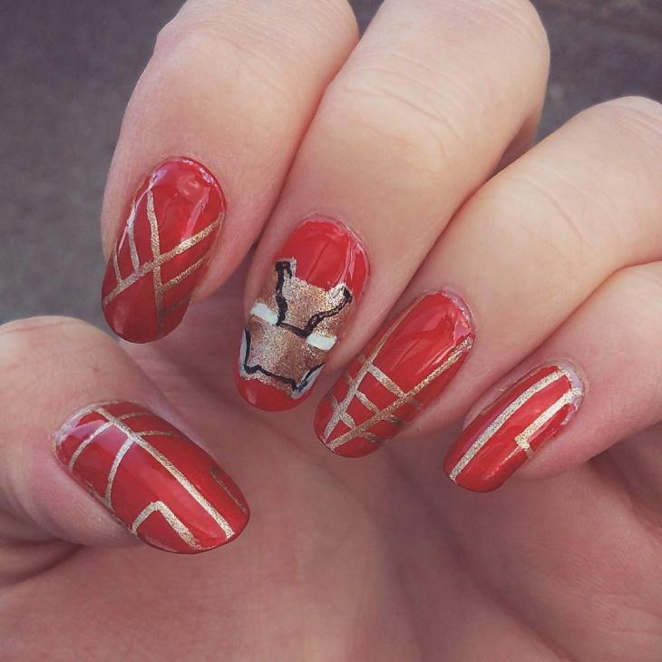 Avenger Gold Striped Nail Art