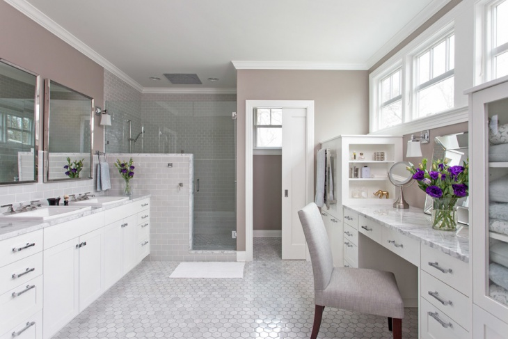 Classic Bathroom with Polished Floor
