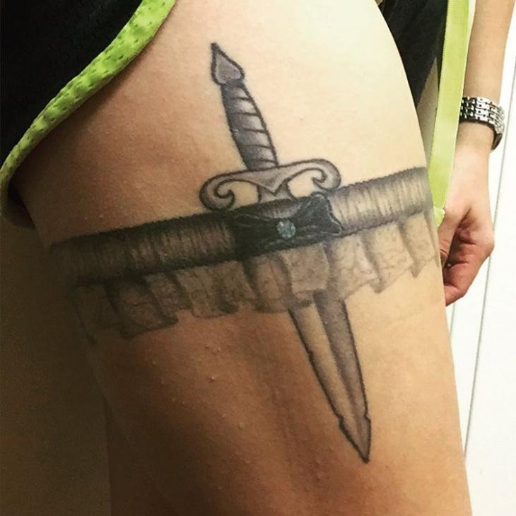 high knife Garter Belt Tattoo