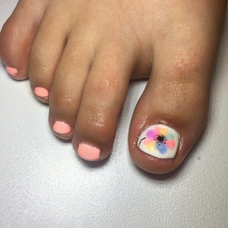 Lovely Toe Nail Art Idea