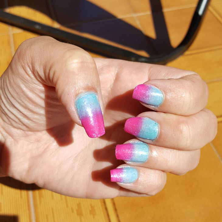cool shimmer sponge nail design