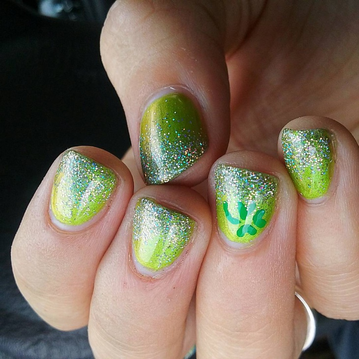 green and glitter art for short nails
