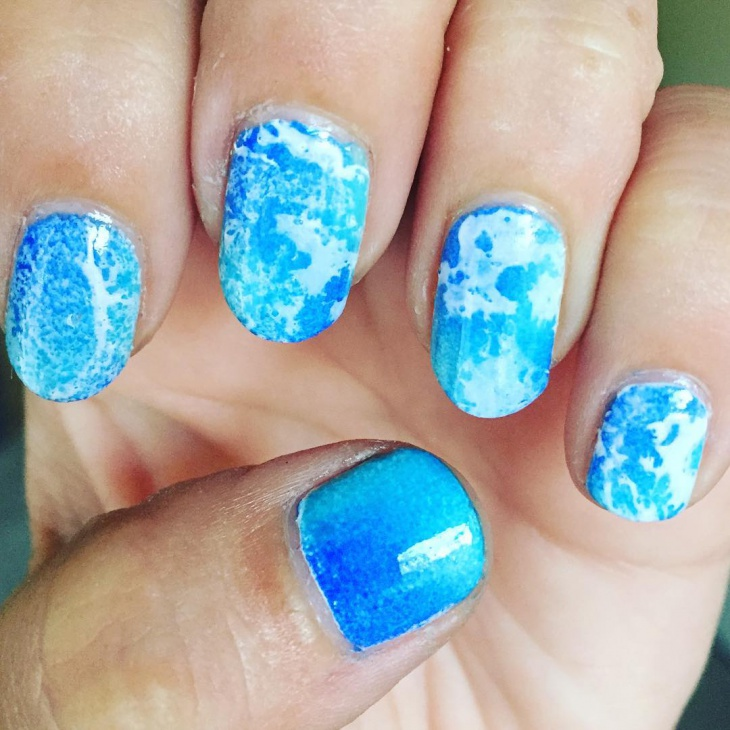 blue color spring nails