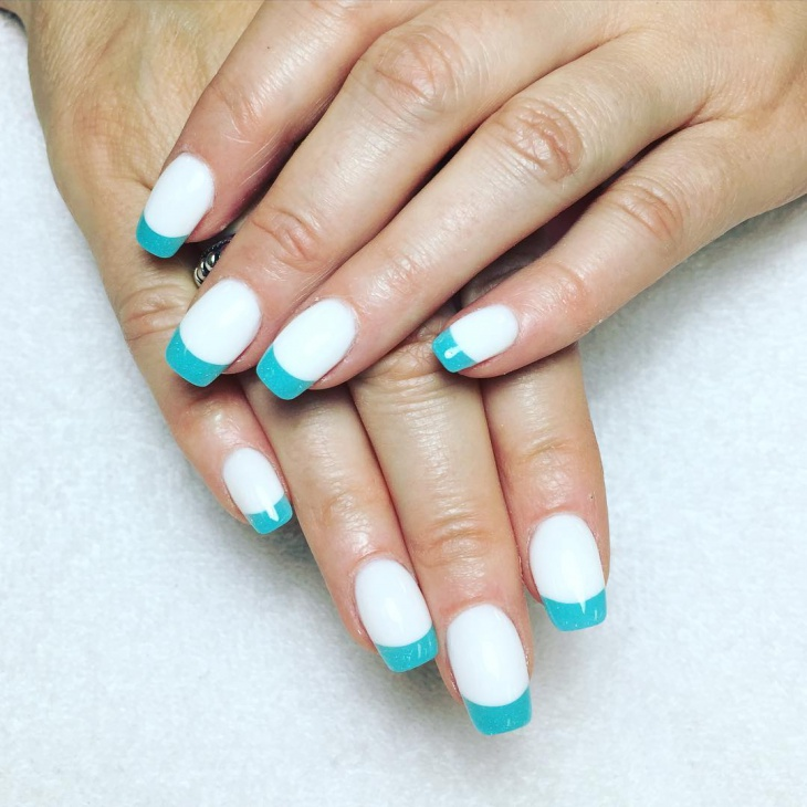 Blue and White Gel Nail Art