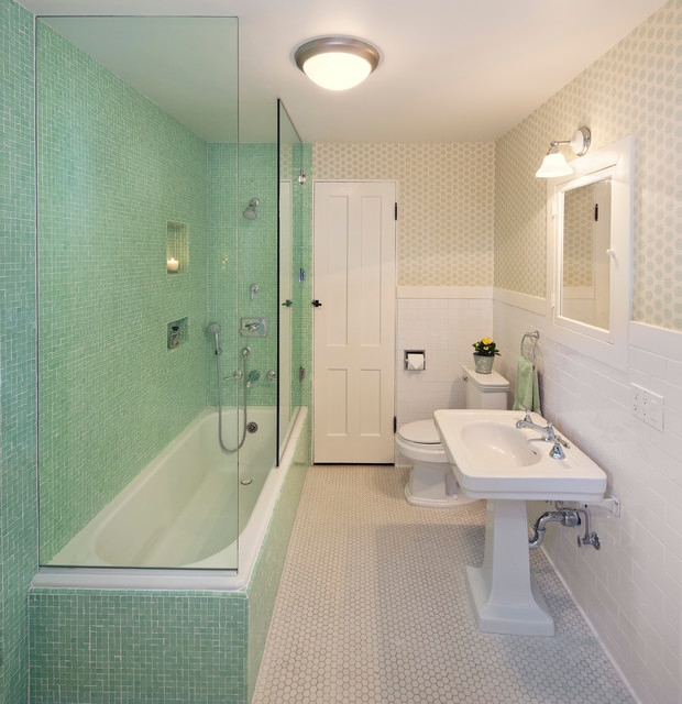 traditional bathroom with ceiling light