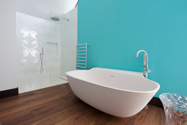 Blue Bathroom with Round Tub