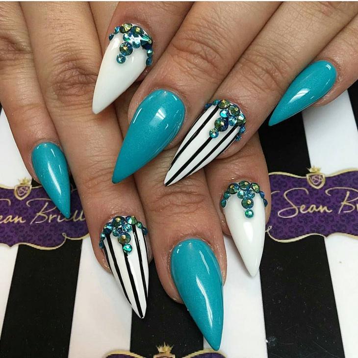 Elegant Claw Nail Design - 21+ Mismatched Nail Art Designs, Ideas Design Trends - Premium PSD