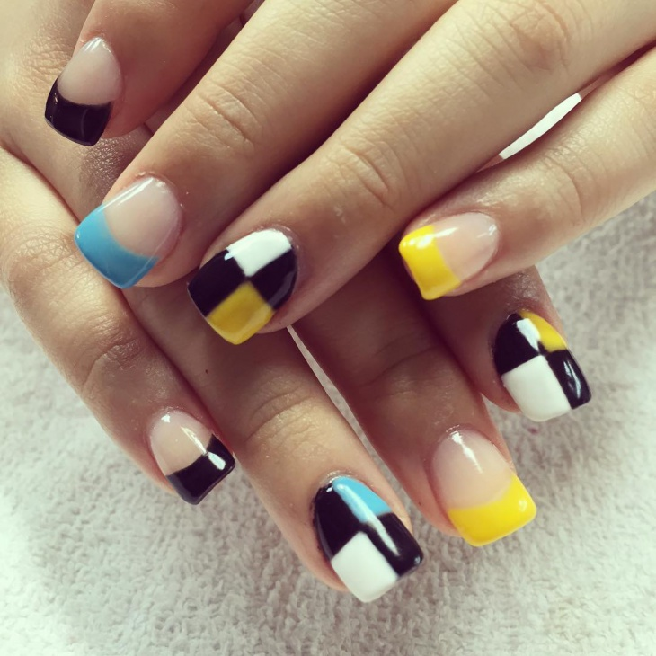 blue and yellow tip nails