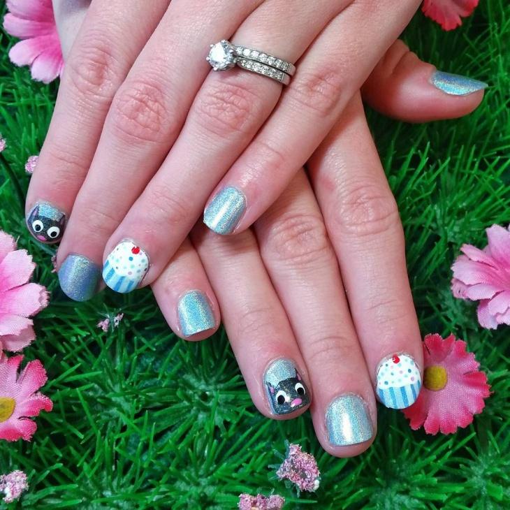 Blue Glitter Nail Art for Short Nails