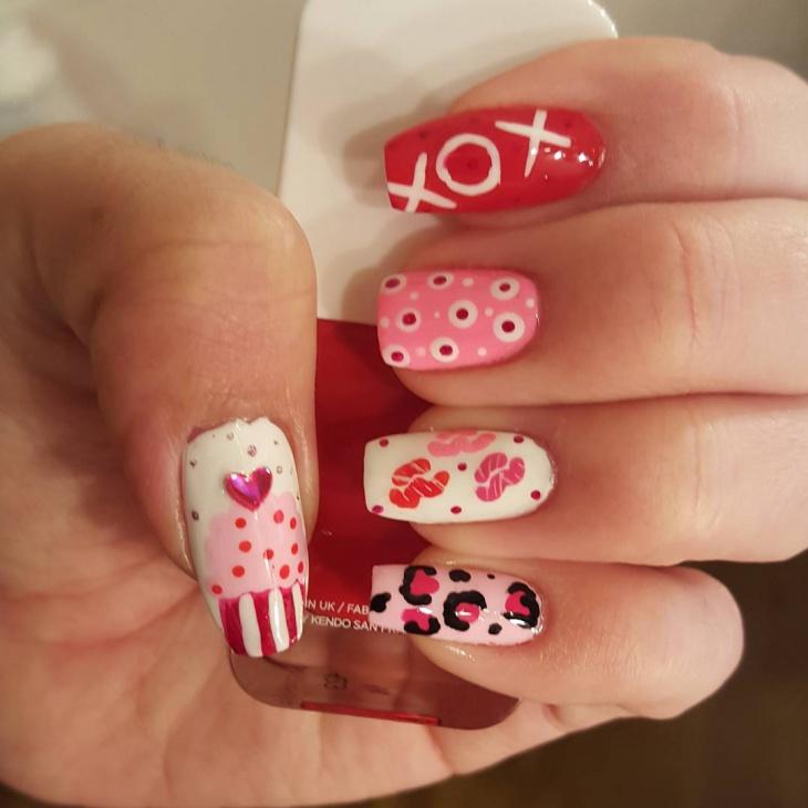 Trendy Valentine Nail Art
