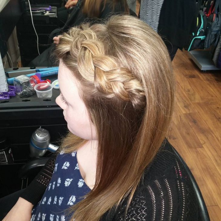 Side Twisted Braid Hairstyle