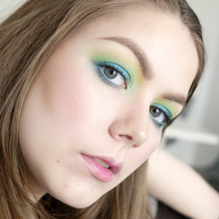 Beautiful Turquoise Eye Makeup