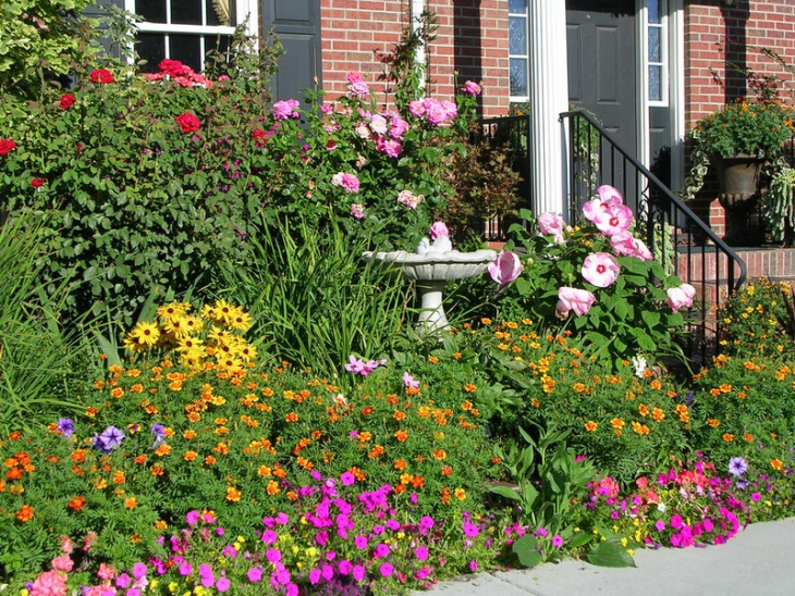 21 summer garden designs decorating ideas design for Colorful front yard landscaping
