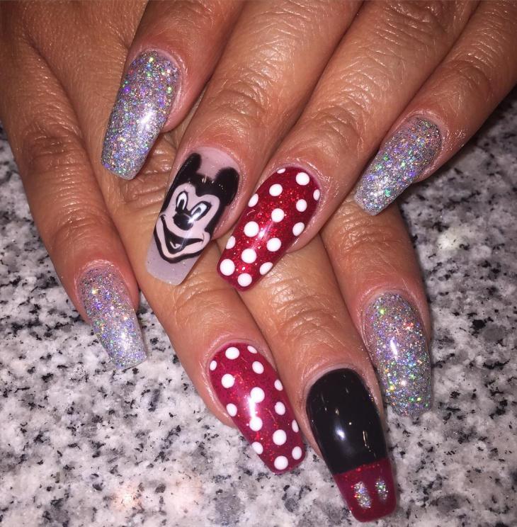 micky mouse glitter nail art