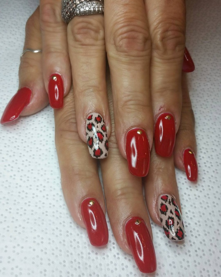 red color hand painted nails