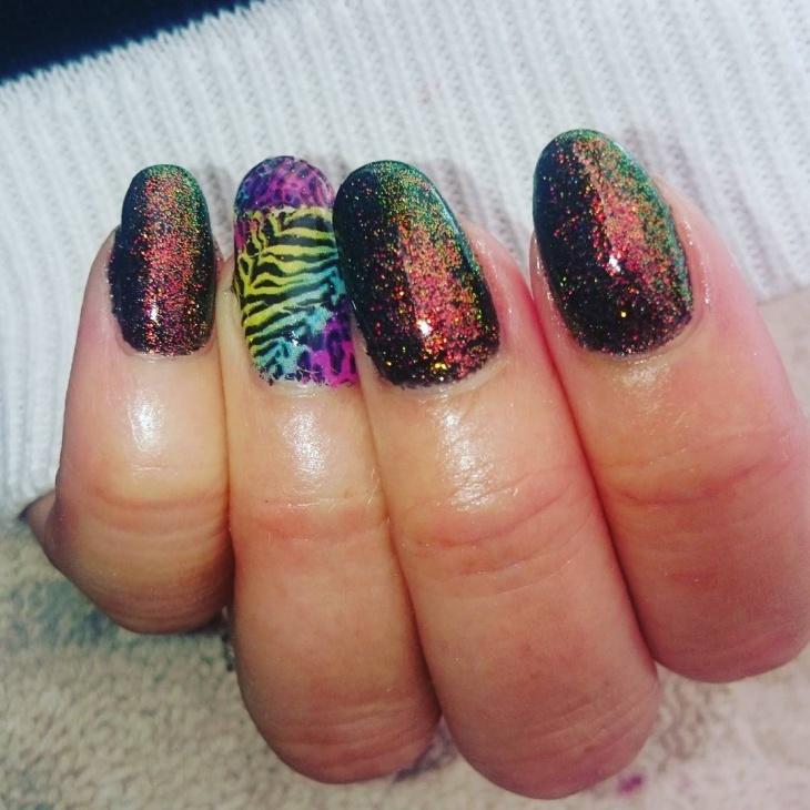 sparkling nail art idea