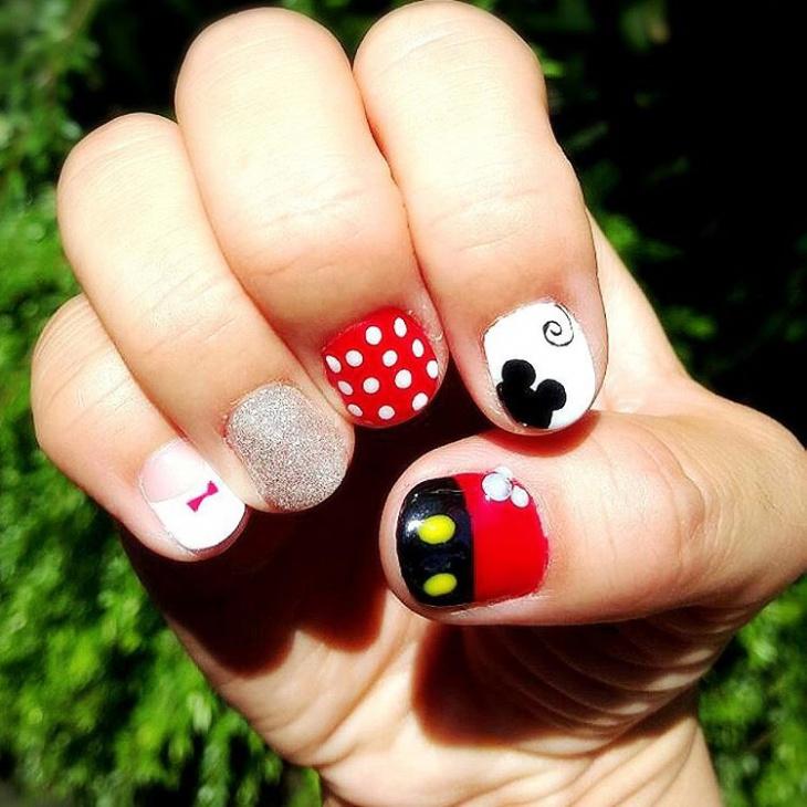 glitter mickey nail design