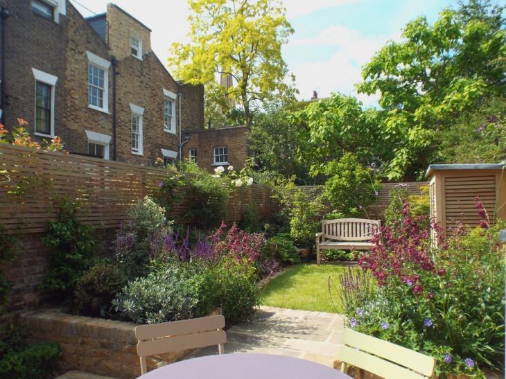 Spacious Spring Garden Design