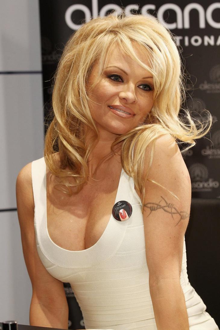 Pamela Anderson Armband Tattoo