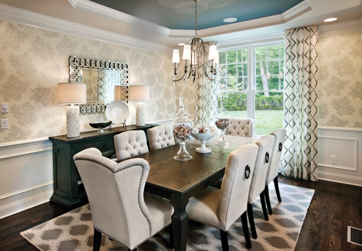 tranistional dining room wall decora idea