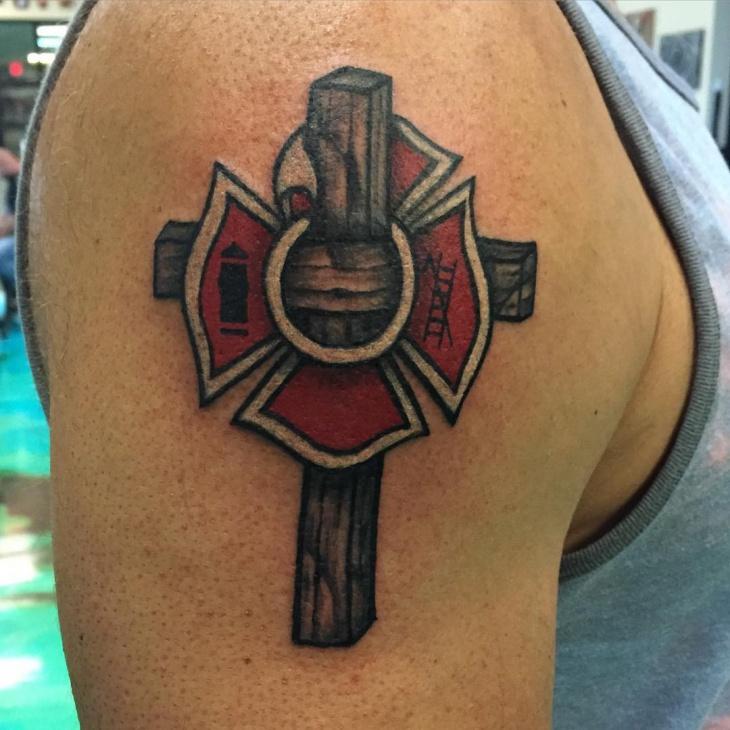 realistic cross tattoo design