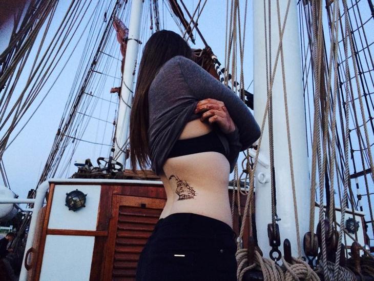 Hip Tattoo Design for Women