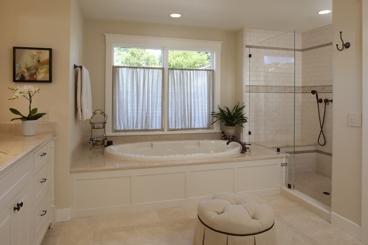 Beautiful Bathroom with White Soaking Tub
