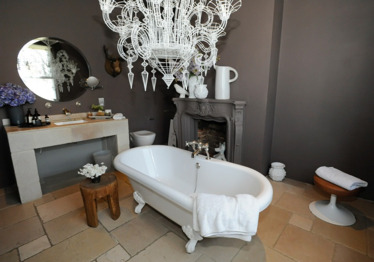 unique chandelier bathtub