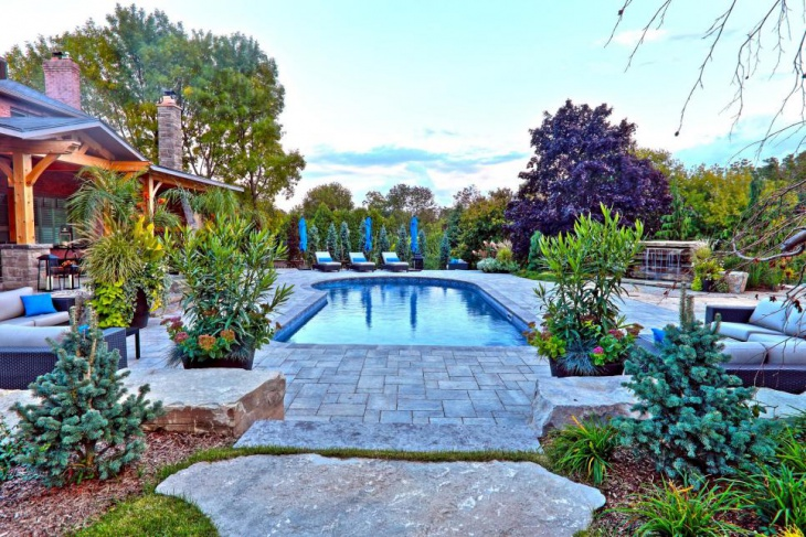 Lovely Garden with Swimming Pool