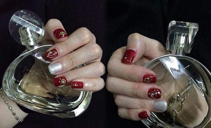 red tweety nail design idea