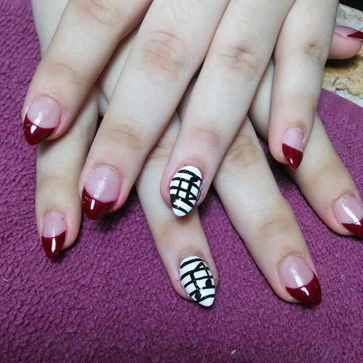 music striped nail art