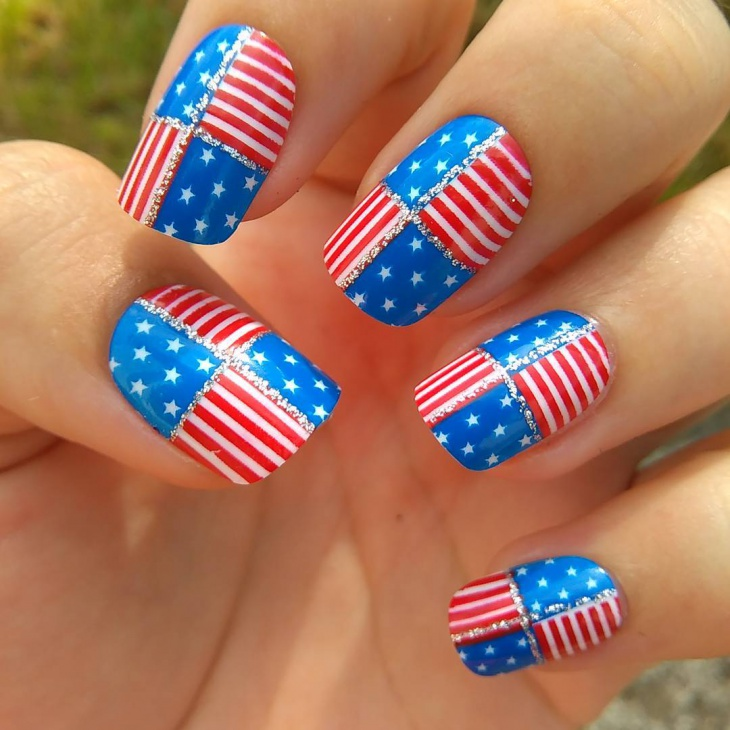 Fourth of July Flag Art on Nails