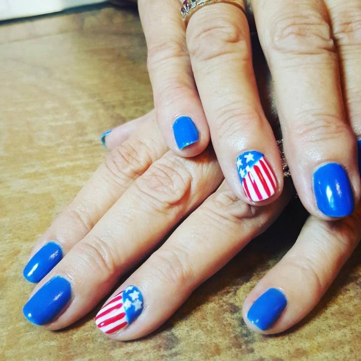 Cool American Flag Nail Art