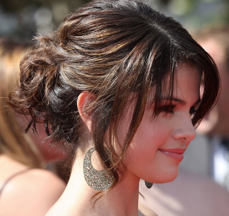 selena gomez messy bridal hairstyle