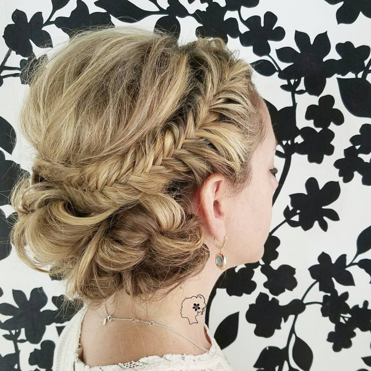 Wedding Hairstyle Download: 20+ Messy Updo Haircut Ideas, Designs