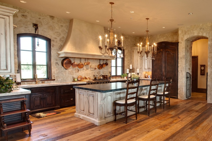 Traditional Kitchen Chandelier Idea